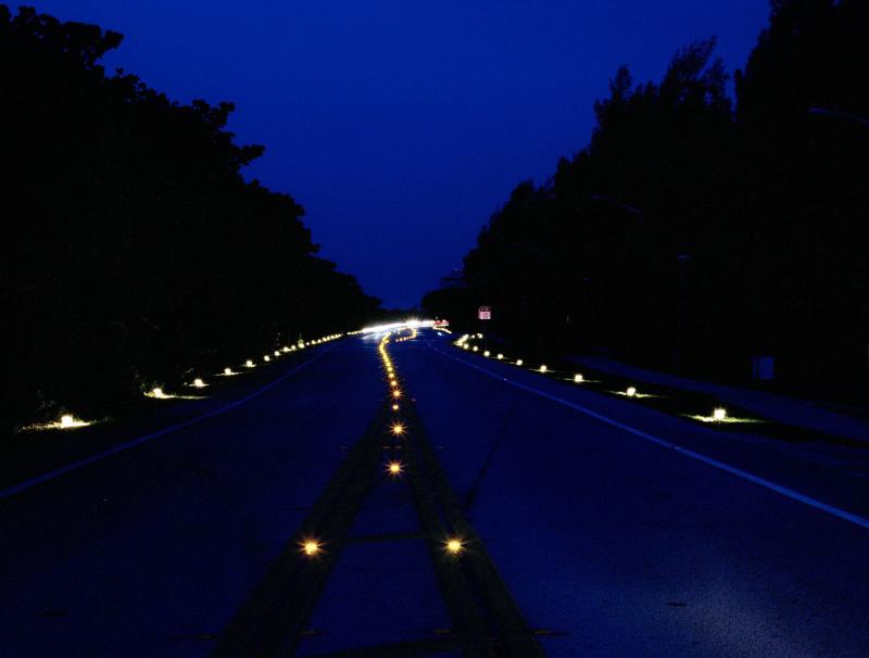 路面安全智能灯